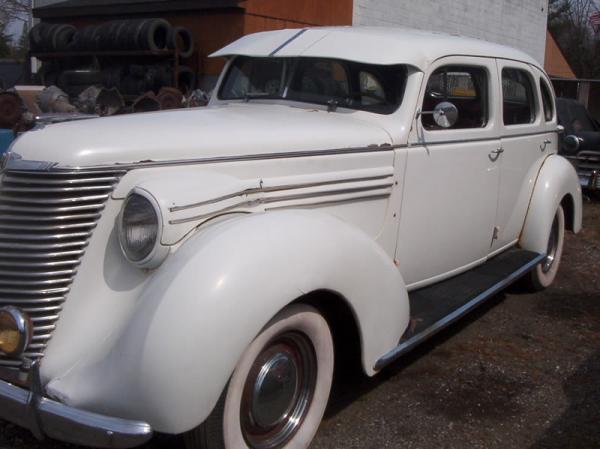 1939 Hupmobile Senior Six Corner Cleaned