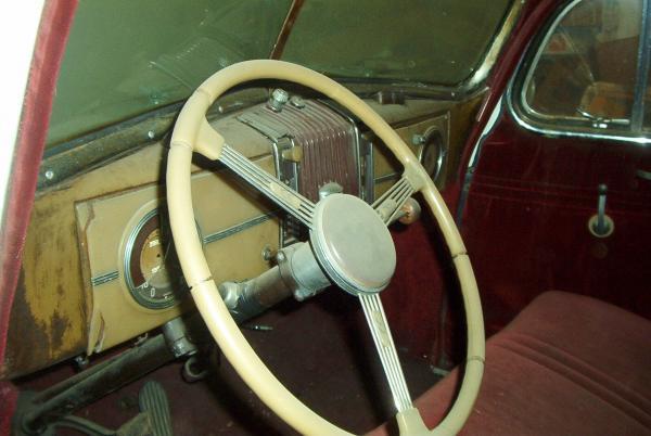 1939 Hupmobile Senior Six Interior