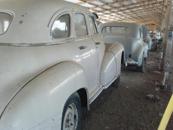 1940s American Barn Find Backs Of Three Cars
