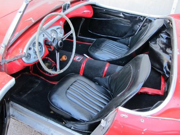 1954 Austin Healey 100 4 Interior
