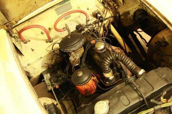 1954 Kaiser Darrin Driver Engine