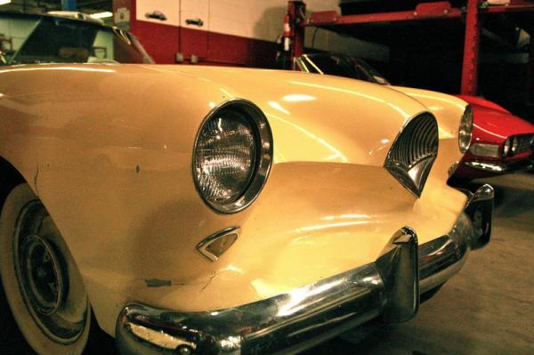 1954 Kaiser Darrin Driver Grill