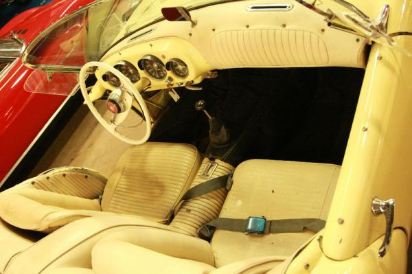 1954 Kaiser Darrin Driver Interior