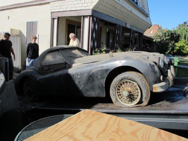 1956 Jaguar Xk140 Saying Good Bye