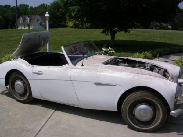 1958 Austin Healey 100 6 Side
