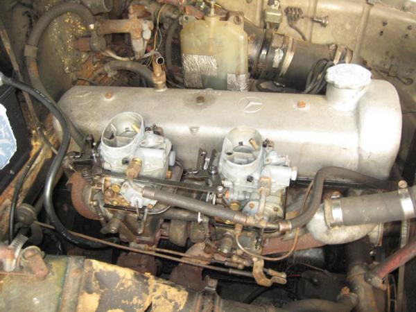 1958 Mercedes 220s Engine