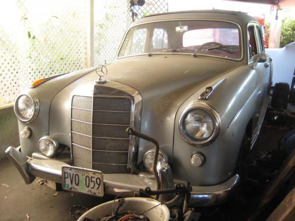 1958 Mercedes 220s Front Corner