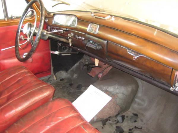 1958 Mercedes 220s Interior