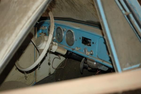 1960 Amphicar Barn Find Interior