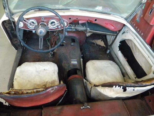 1961 Austin Healey 3000 Interior