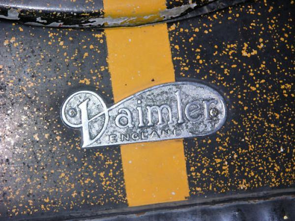1962 Daimler Sp250 Badge