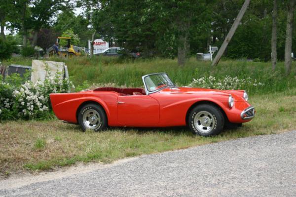 1963 Daimler Dart Side