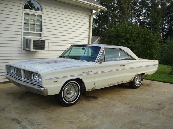 Discount Dodge: 1966 Dodge Coronet 440
