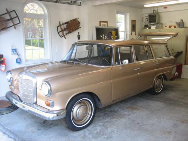 1968 Mercedes Benz 200d Estate Front