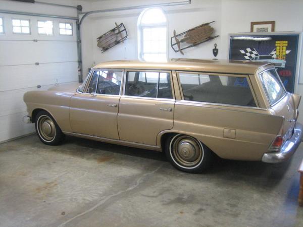 1968 Mercedes Benz 200d Estate Side