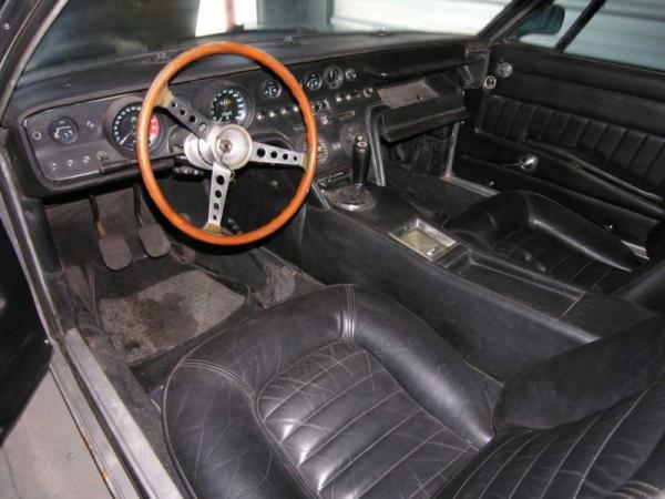 1968 Maserati Ghibli Coupe Interior