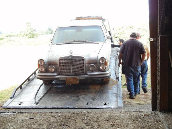 1969 Mercedes 300 Sel Loading