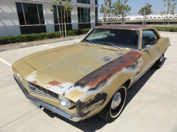 1969 Chevrolet Camero Front Corner