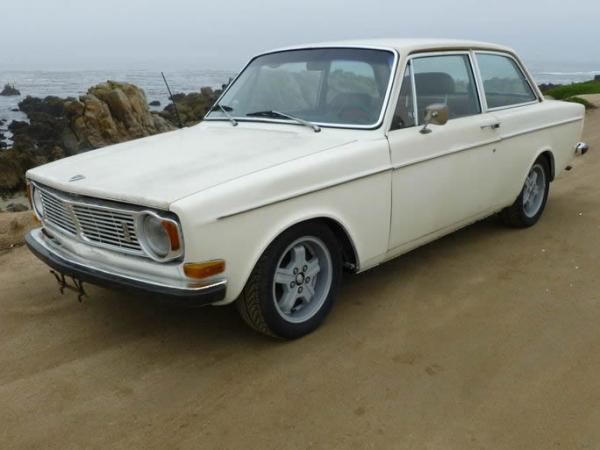 1969 Volvo 142s Front Corner