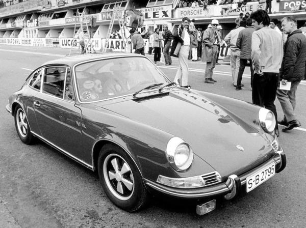 1970 Porsche 911s Front Corner On Set