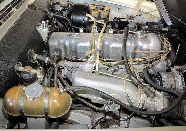 1971 Mercerdes 280 Sl Engine