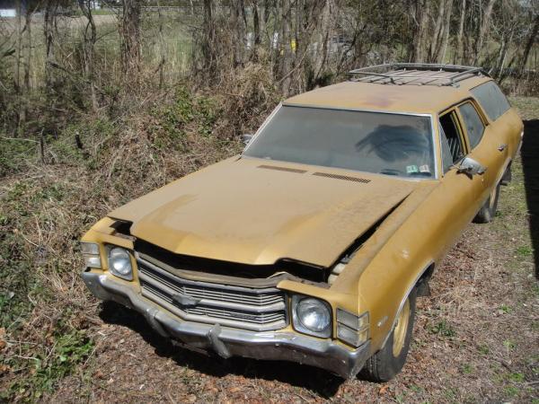 1971 Chevrolet Chevelle Wagon Front Corner