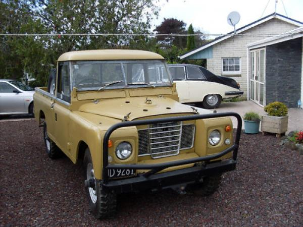 1972 Land Rover Series Iii Front
