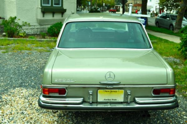 1972 Mercedes Benz 280 Se Trunk