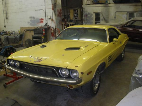 Top Banana 1973 Dodge Challenger Rallye