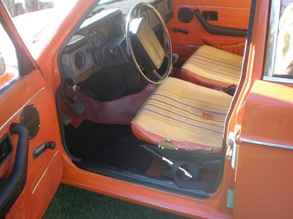 1974 Volvo 144 California Edition Interior