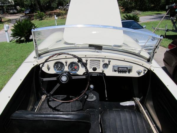 Rust Free 1955 Mga Interior