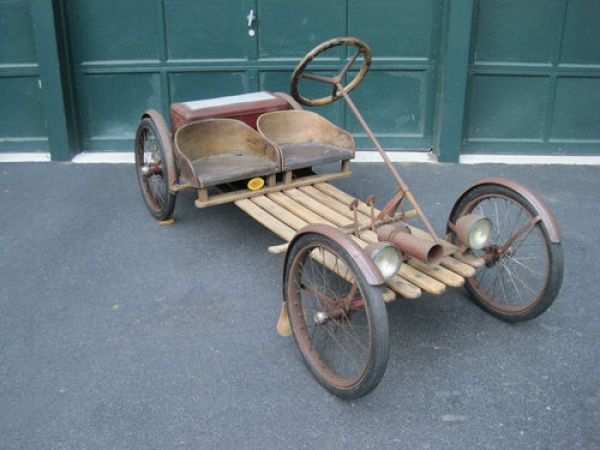Original Buckboard 1926 Auto Red Bug