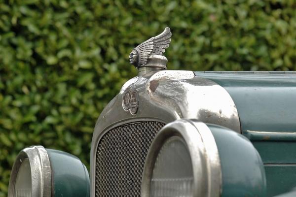 1927-pontiac-sport-cabriolet-emblem