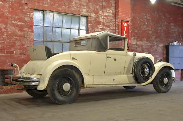 1930-chrysler-imperial-rear-corner