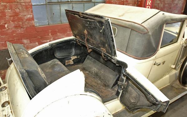 1930-chrysler-imperial-rumble-seat