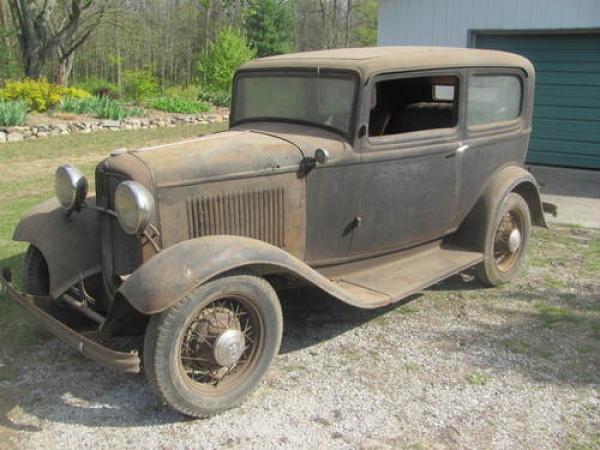 Ford V8: 1932 Ford Model 18 Tudor