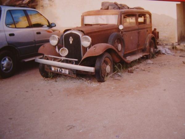 1932-plymouth-pb-deluxe-sedan-front-corner