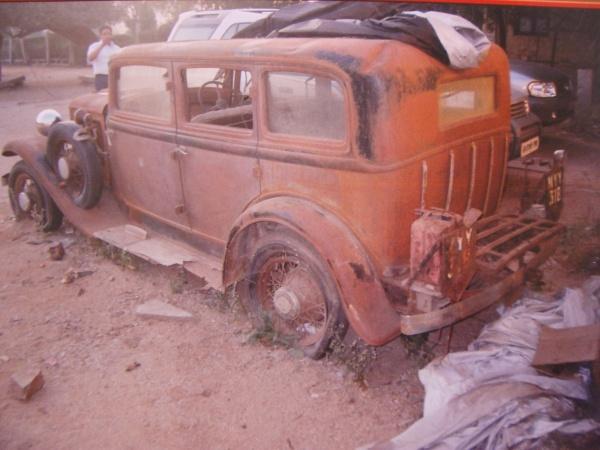 1932-plymouth-pb-deluxe-sedan-rear-corner