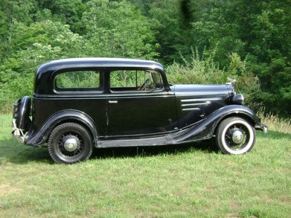 Big claims 1935 chevrolet two door for 1935 chevy 2 door sedan