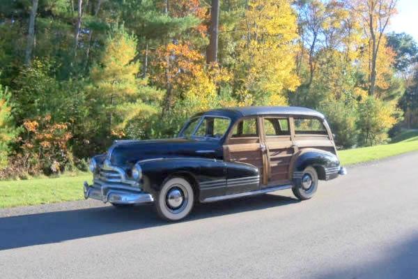 1947-pontiac-streamliner-woody-wagon