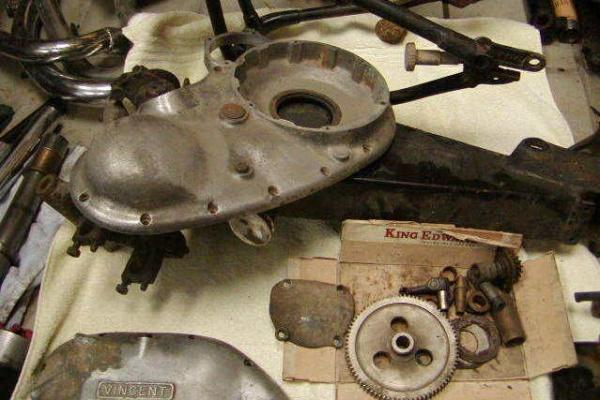 1951-Vincent-Rapide-more-parts