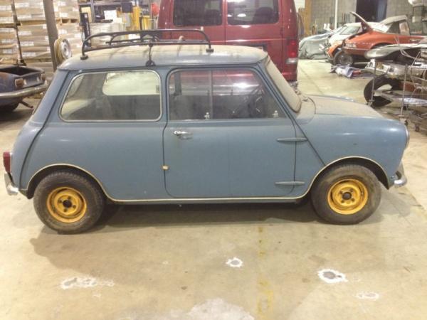 1960-morris-mini-garage-find-side-view
