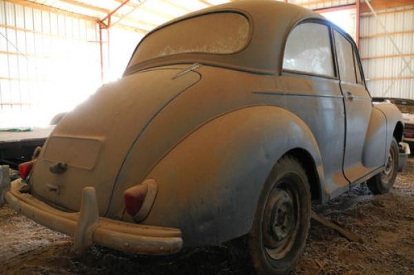 1960-morris-monor-barn-find-rear