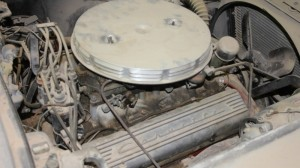 1961-corvette-barn-find-engine