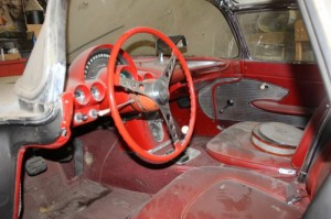 1961-corvette-barn-find-interior