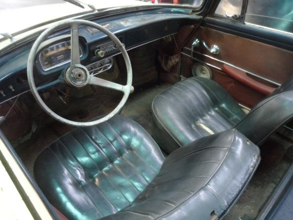 1962-renault-caravelle-convertible-survivor-interior