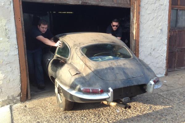 1963-Jaguar-xke-calendar-car