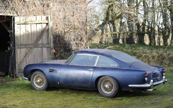1964-aston-martin-db5-rear-corner