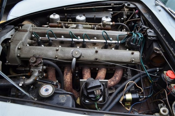 1965-aston-martin-DB5-engine