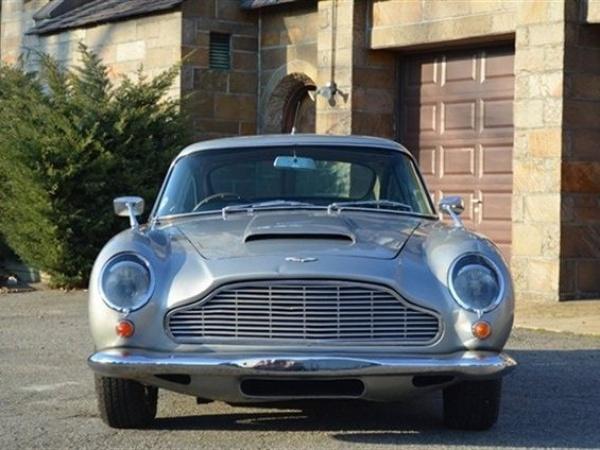 1965-aston-martin-DB5-grill